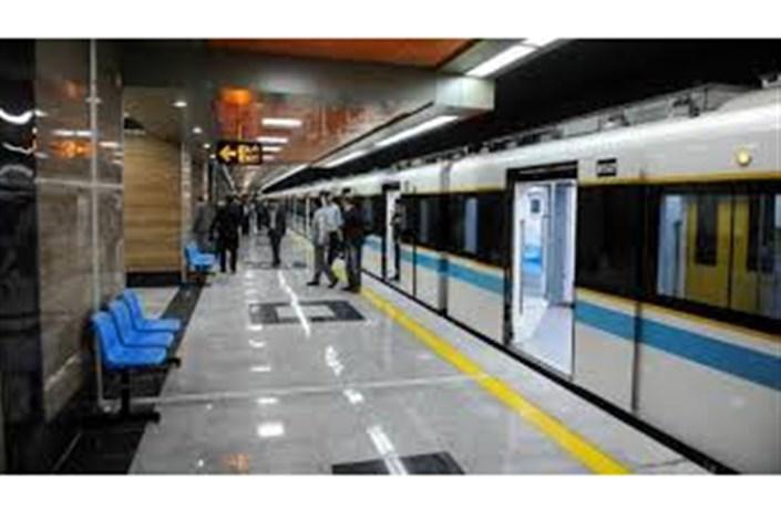 رعد و برق، خط 5 متروی تهران را تعطیل کرد/ ترافیک سنگین در معابر به دلیل آبگرفتگی معابر