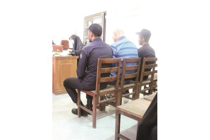 اشکهای پشیمانی دو قاتل رهاشده از اعدام در دادگاه جنایی
