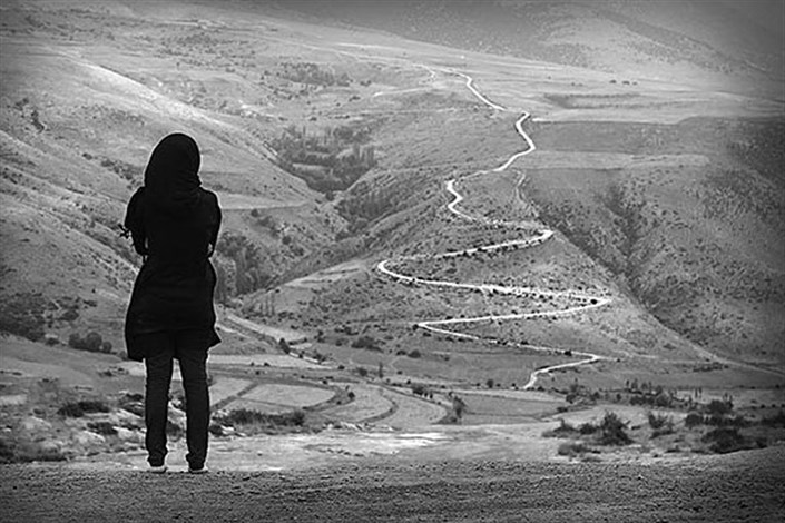 خانوادههای تکسرنشین/تجرد زیستی دختران در شهر تهران