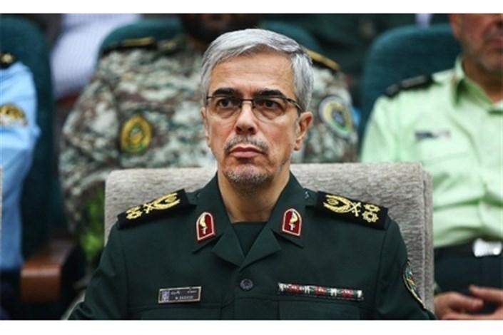ملت ایران ذرهای از توان دفاعی خود عقب نشینی نمیکند