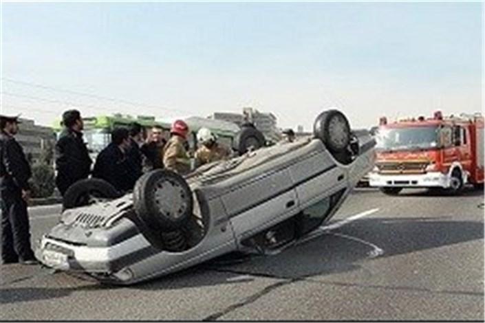تصادف سنگین تریلی و پژو به دلیل نقص فنی تریلی