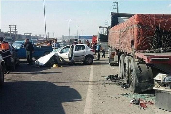 در تصادفات جاده ای صبح امروز 5  تن مجروح شدند