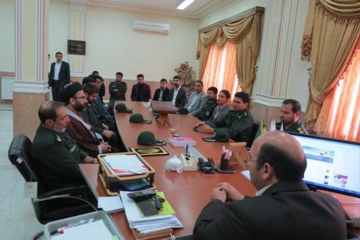 دیدار فرمانده سپاه ماکو با رئیس دانشگاه آزاد اسلامی واحد بین المللی ماکو