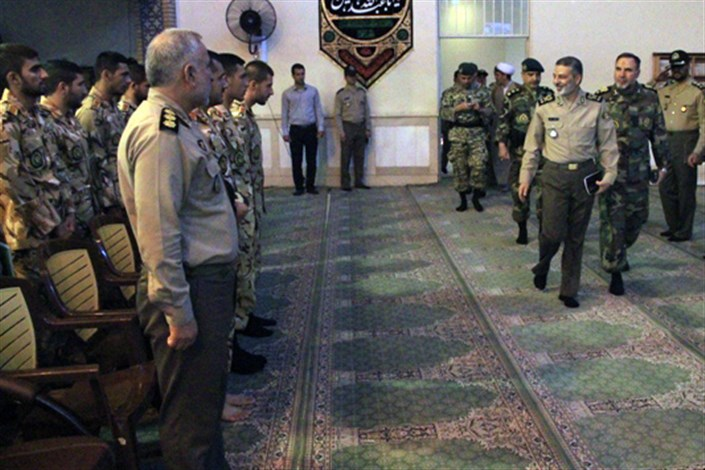 دیدار  فرمانده کل ارتش با فارغ التحصیلان دانشگاه افسری