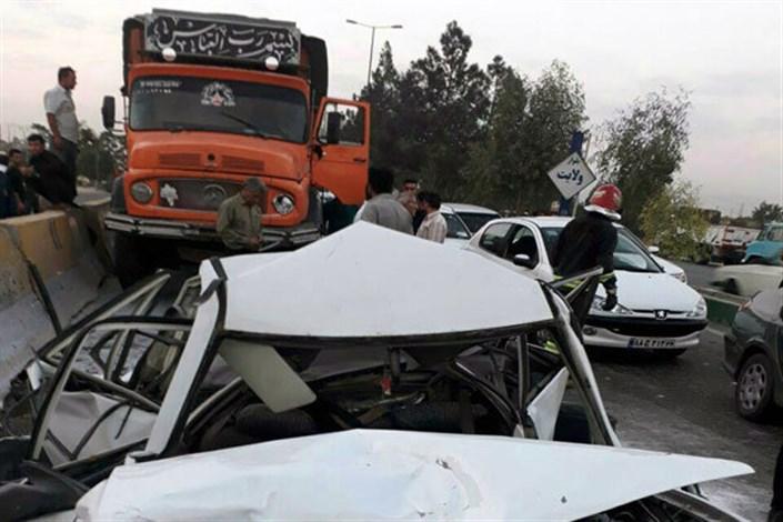 یک کشته و12 مجروح در تصادف اتوبوس و تریلی
