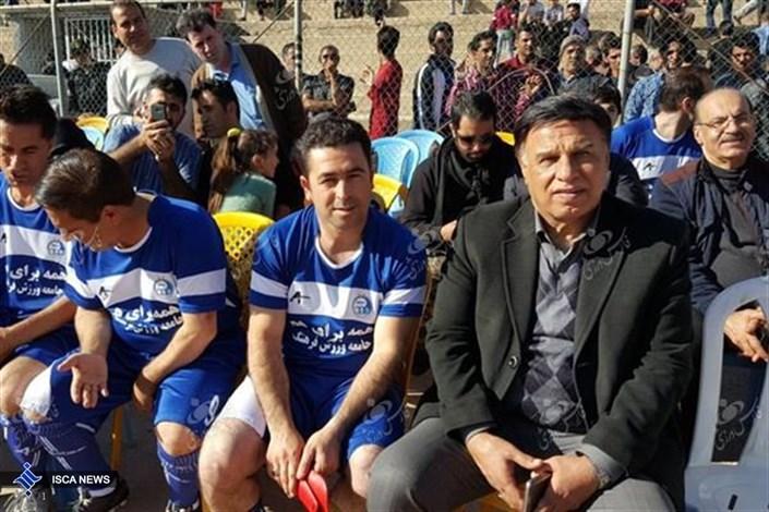 حضور چهرههای سرشناس فوتبال در دیدار دوستانه به یاد زلزلهزدگان غرب کشور