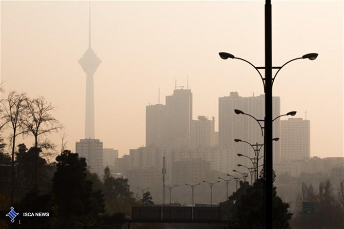 هوای تهران تا پایان هفته آلوده است/احتمالا جلسه کمیته اضطرار تشکیل می شود