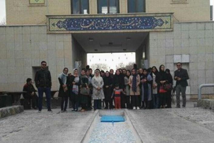 بازدید دانشجویان دانشگاه آزاد اسلامی جهرم از پژوهشکده رویان اصفهان