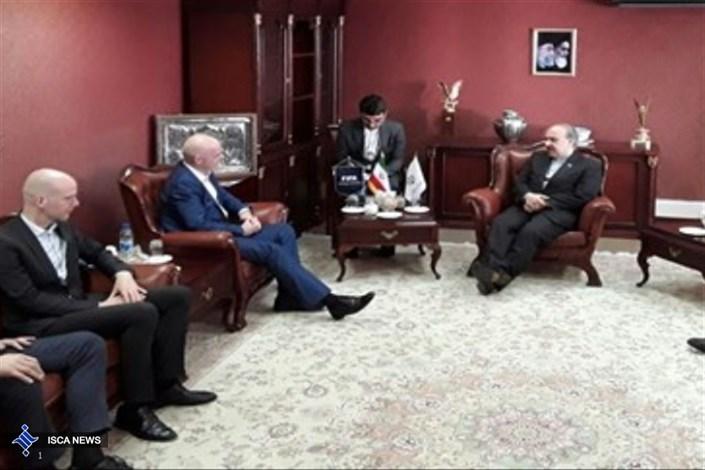 دیدار اینفانتینو با وزیر ورزش و جوانان