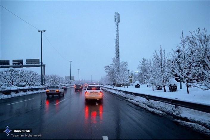 کاهش ۱۰ درجهای هوا برای روز سه شنبه/ اکثر نقاط کشور بارانی است
