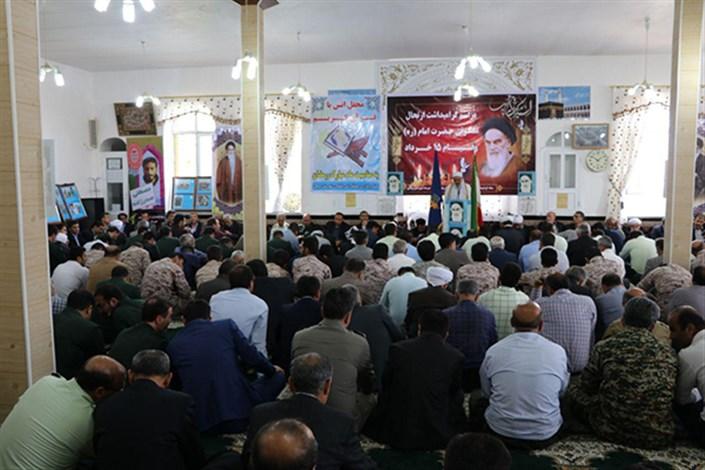 اندیشه و تفکر امام نه تنها در دل امت های اسلامی بلکه در دل تمام آزا اندیشان جهان جای دارد