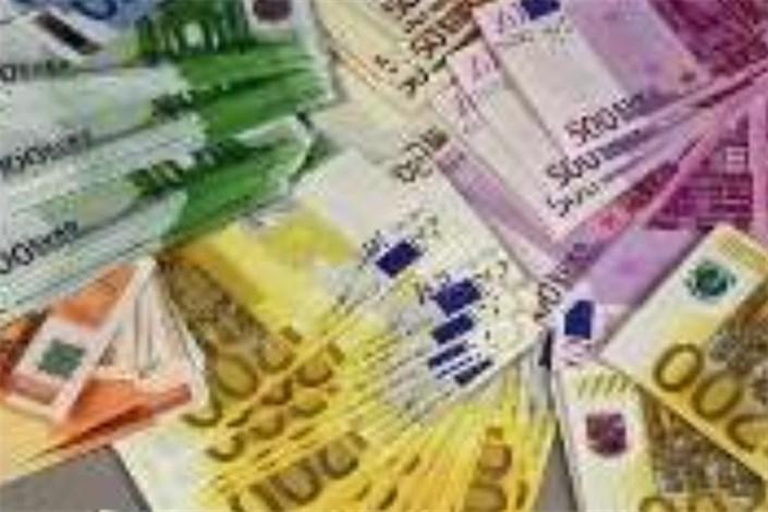 نرخ جدید ارزهای دولتی اعلام شد/ پوند و یورو در سراشیبی سقوط + جدول