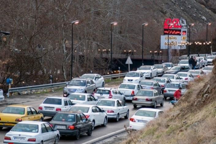 محورهای شمالی کشور بارانی است/ ترافیک در بزرگراه تهران - کرج