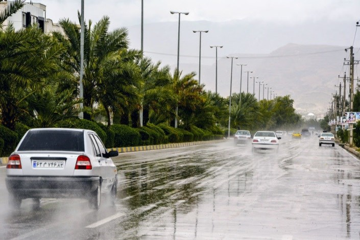بارش باران در جادههای شمالی/ ترافیک در آزادراه کرج به تهران