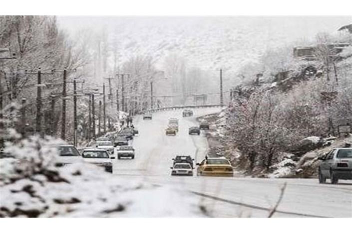 بیستون کرمانشاه و گردنه زالیان در لرستان درگیر برف و کولاک/سیل در خوزستان