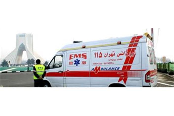 استقرار آمبولانس و اتوبوس آمبولانس های اورژانس در مسیرهای راهپیمایی 22 بهمن