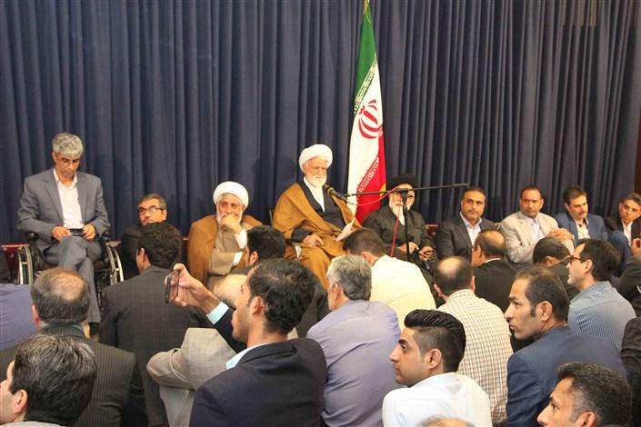 دیدار دانشگاهیان دانشگاه آزاد اسلامی استان هرمزگان با نماینده ولی فقیه استان