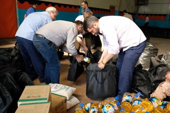 آمادهسازی هزار بسته برای کمک به سیلزدگان در دانشگاه بقیهالله (عج)