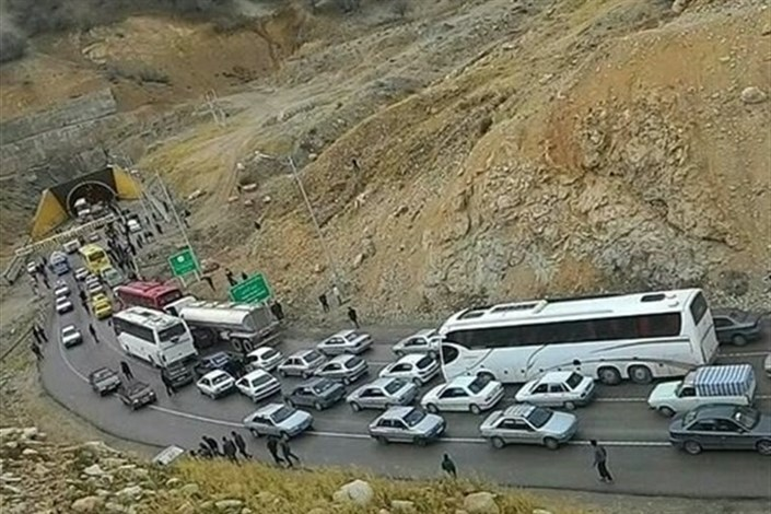 ترافیک نیمه سنگین جاده های منتهی به کربلا/ بارش باران در جاده های گیلان و مازندران