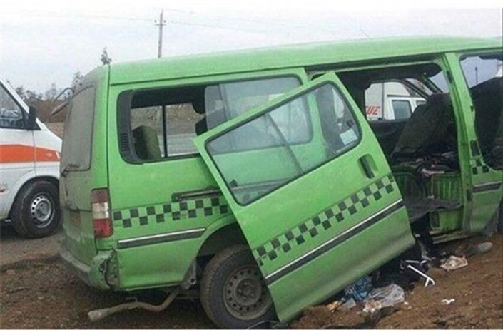 تصادف ون حامل زائران با تریلی/ یک نفر کشته و 9  نفر مصدوم شدند