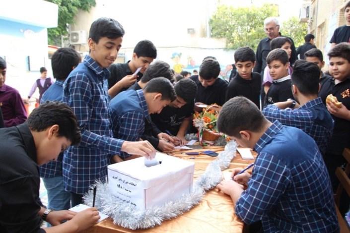 بیست و یکمین دوره انتخابات شورای دانشآموزی در مدارس سما بوشهر برگزار شد
