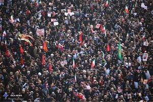 خروش مردم تهران برای میزبانی از علمدار سپاه