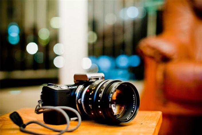 اهدای دوربین عکاسی به محیط بان هنرمند