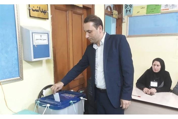 حضور دستهجمعی خانواده سمای لاهیجان پای صندوق رأی