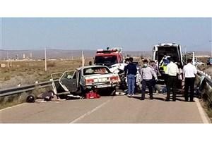 برخورد یک خودرو با پرسنل اورژانس و حاضران در صحنه تصادف