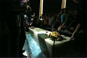 جشن روز حافظ حاشیهساز شد/ حضور ۱۵ هزارنفر در آرامگاه
