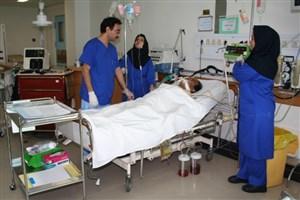 هیچ جای دنیا جز ایران  اختلاف دریافتی پرستاران و پزشکانش بیش از سه برابر نیست