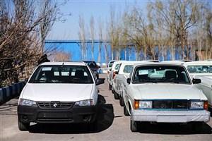 انباشت خودرو در انبارهای خودروسازان نادرست است/ دولت باید به خودروسازان یارانه بدهد