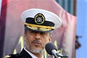 دریادار سیاری: میتوان از دانشگاه آزاد اسلامی برای ارتقای فناوری در نیروی دریایی استفاده کرد
