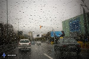 جادههای استان مازندران بارانی است/ ترافیک در اتوبان کرج-تهران