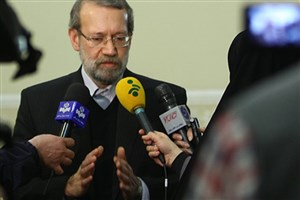 لاریجانی: ایجاد مسائل امنیتی برای مردم خط قرمز مسئولان است