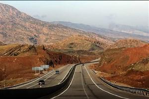 ریزش کوه در آزادراه خرمآباد-پلزال/شاهراه ترانزیتی جنوب مسدود شد