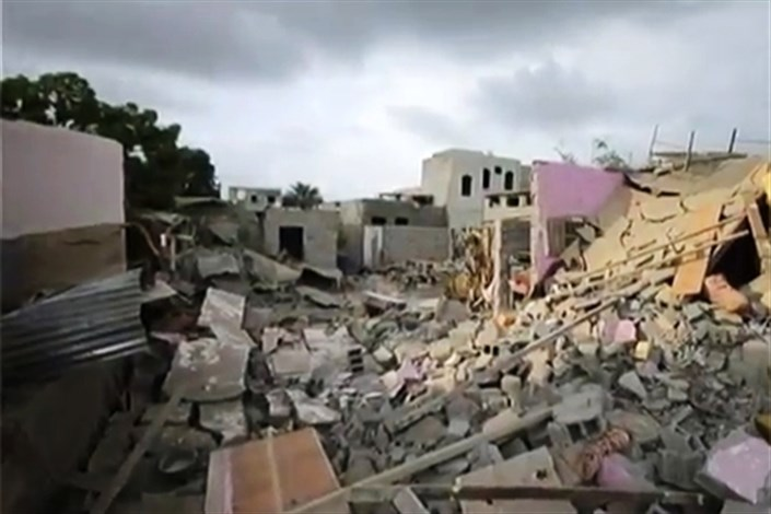 کمیسر عالی سازمان ملل متحد برای حقوق بشر، عربستان سعودی و همپیمانانش را مسئول کشتار غیر نظامیان در یمن دانست.  وی با انتقاد از طرف های درگیر، حملات هوایی عربستان و نیروهای ائتلاف را نامتناسب خواند گفت که این حملات زیرساخت های یمن را نابود کرده است.
