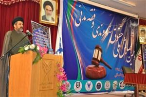 طه هاشمی: تعالیم اسلامی سبک زندگی کارآمد را به مردم نشان میدهد
