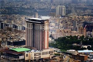 بزرگترین هتل ایران  تابلو راهنما و جاده مناسبی ندارد