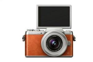 لومیکس GF8؛ دوربینی برای سلفی بازها