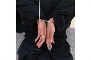 زن جیب بر با 20 فقره سرقت دستگیر شد