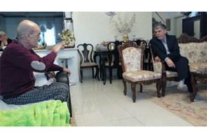معاون فرهنگی وزیر ارشاد از زنوزی جلالی عیادت کرد