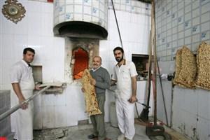 نانوایی سنگکی شاطرمحمد از زمان جنگ شبانهروزی است/به جای ۱۳۷ به پسرم زنگ میزنم!