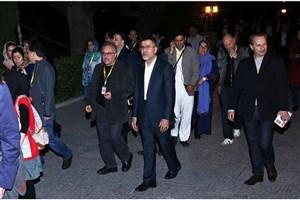 بازدید فرنگی ها از مدرسه شاهزادگان ایرانی