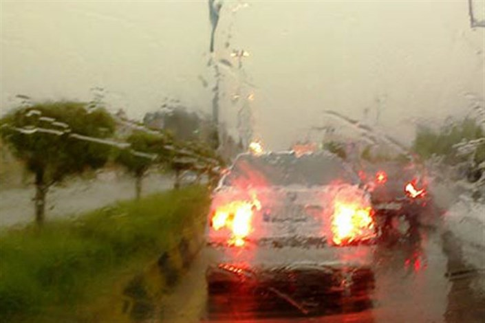 بارندگی در جاده های  ۲ استان/ ترافیک آزادراه تهران ـ کرج