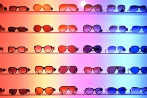 عینک ٣ دلاری چینی؛ ٣٥٠هزار تومان در تهران/آمار بالای آب مرواریدبه دلیل عدم استفاده از عینک