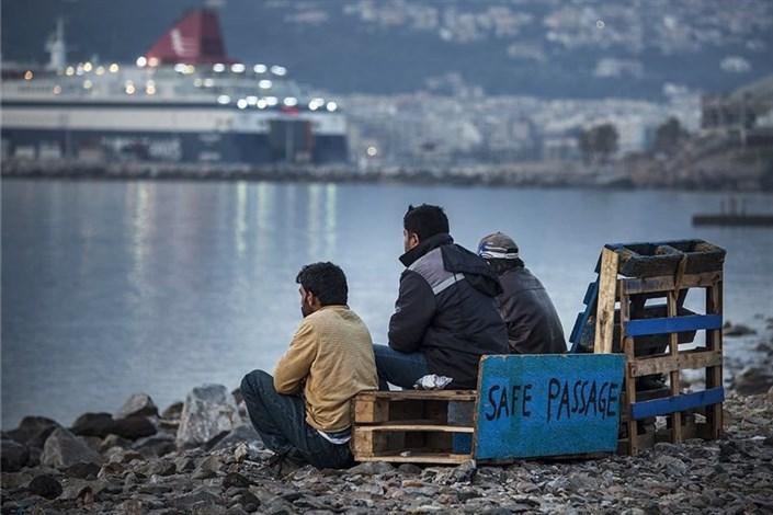 سرنوشت نامعلوم پناهجویانی که امکان اقامت در آلمان ندارندرئیس شورای اروپا: ترکیه به توافق درمورد پناهجویان پایند باشد۱۴ زخمی نتیجه نزاع دسته جمعی پناهجویان افغان و کرد در آلماناسترالیا به سیاستهای خصمانه خود علیه پناهجویان ادامه میدهد