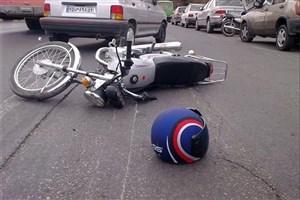 تصادف مرگبار یک موتور با وانت نیسان و کامیونت در بزرگراه شهید آوینی