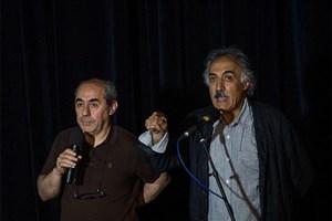نمایش و نقد و بررسی فیلم «دونده زمین» در خانه هنرمندان