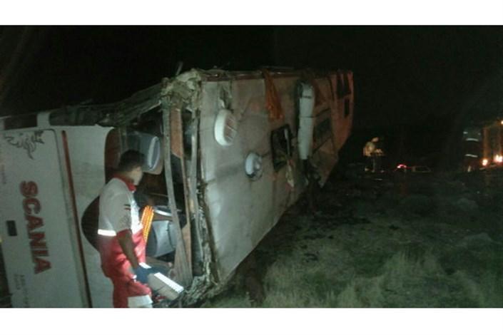 سقوط اتوبوس به دره